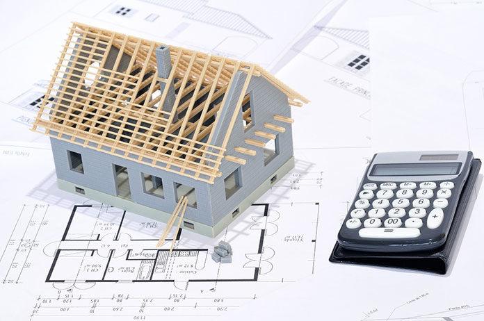 Małe, tanie w budowie domy - co wziąć pod uwagę wybierając niedrogi projekt domu?
