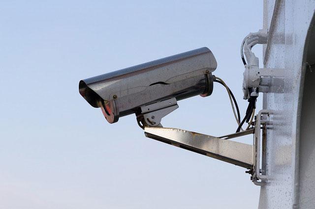 Atrapy kamer – co warto wiedzieć przed zakupem?