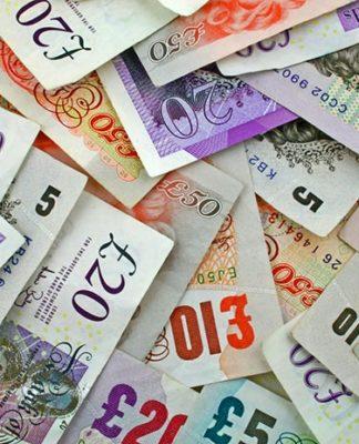 Wymieniaj funty po najlepszym kursie i oszczędzaj z platformą wymiany walut
