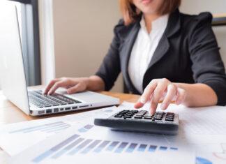Na czym polega amortyzacja środków trwałych w firmie?